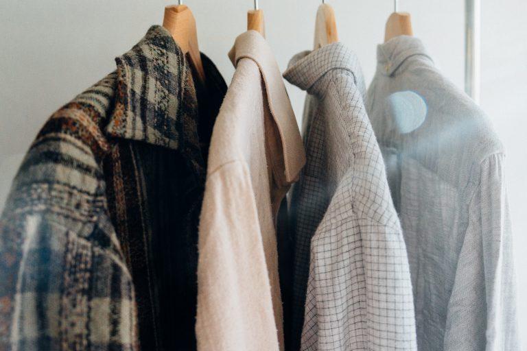 ouderen wassen en aankleden